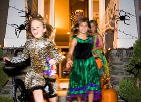 Blurry trick-or-treaters