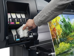 Close-up HP Vivid Fototinten in HP DesignJet Z6610 Produktionsdrucker