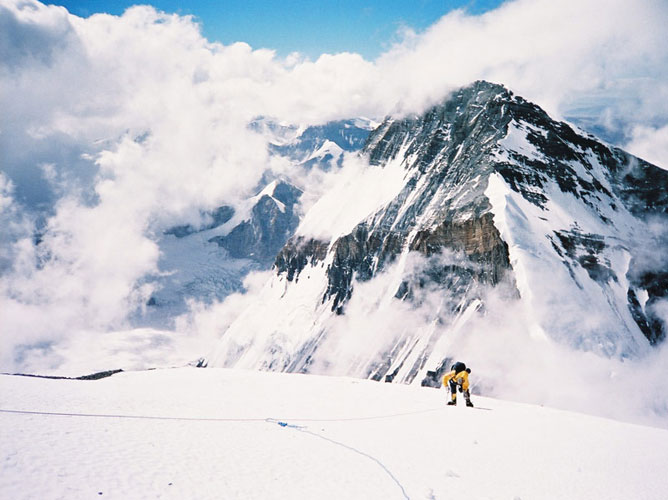 Everest 2004 gallery 4