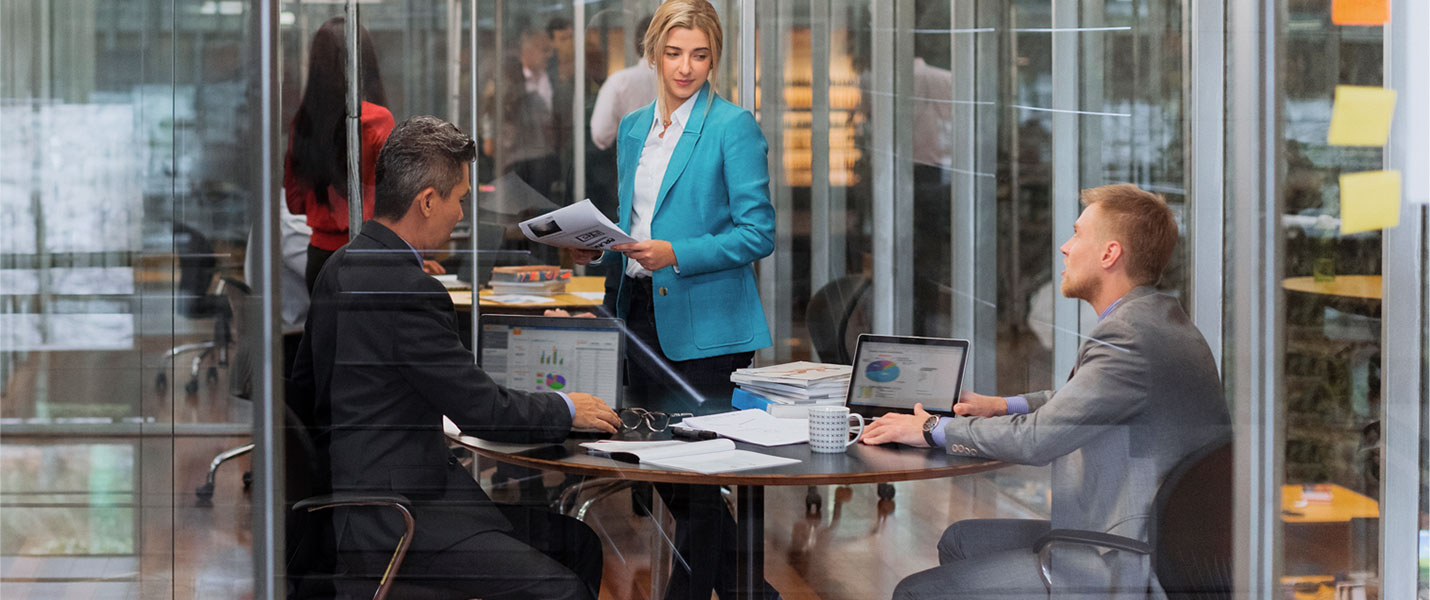 HP Thin Client laptops being used in office environment