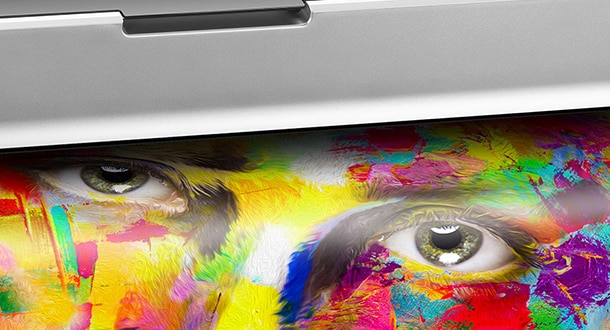 HP DesignJet photo printer with graphic output