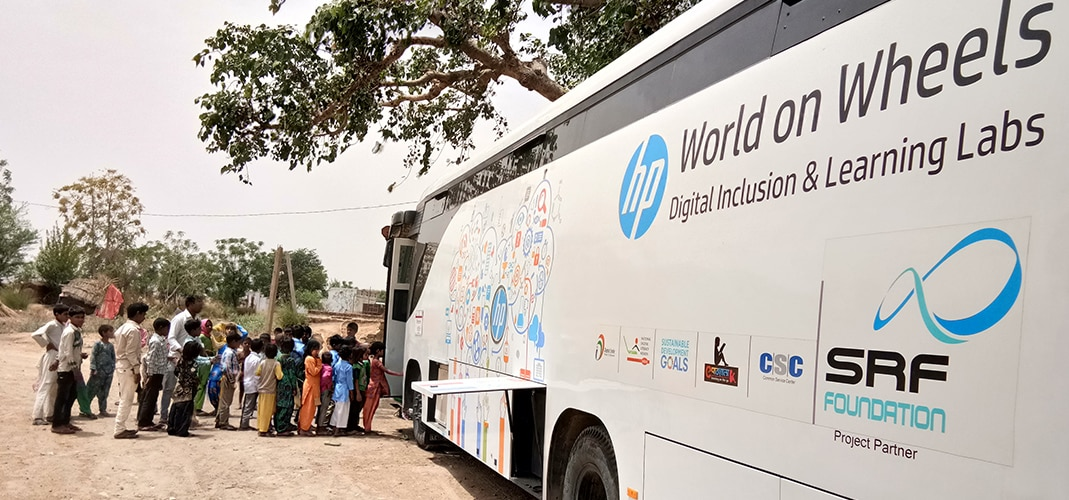 HP World on Wheels bus